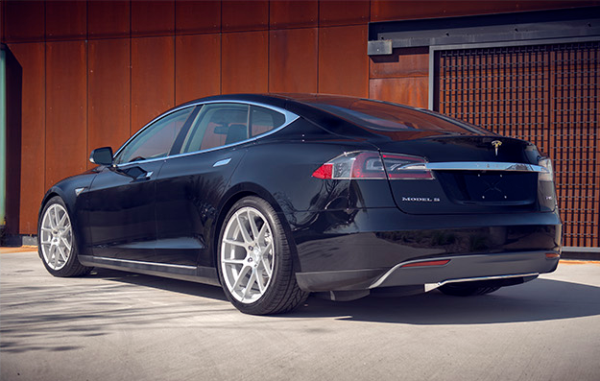 tesla_model_s_performance_plus_tuning_paket