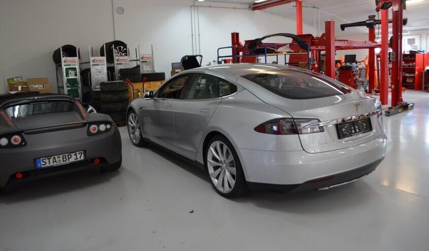 tesla-model-s-munchen-service-center