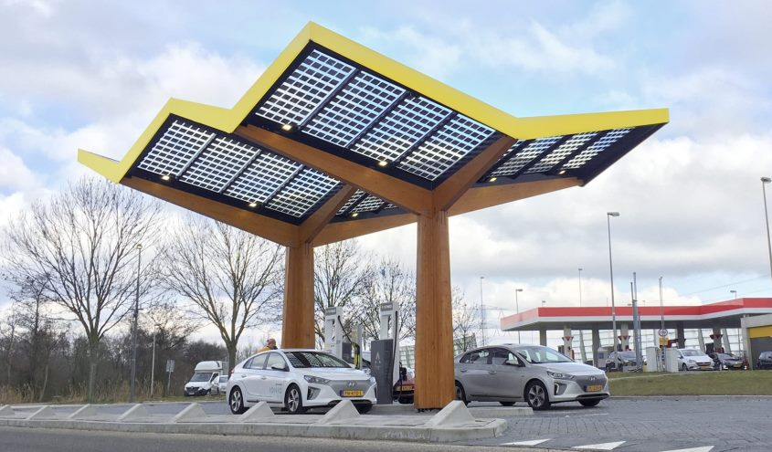 fastned_ultra_fast_charging_station