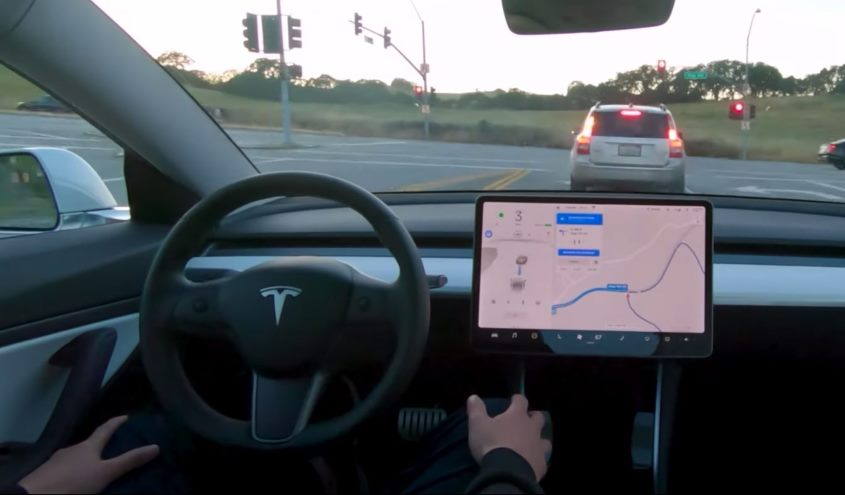 tesla-model-3-autonomus-driving