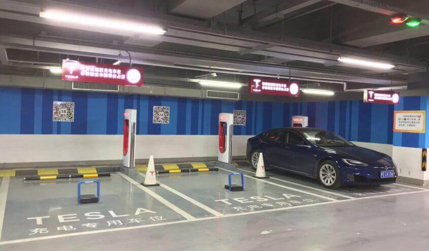 Tesla-Supercharger-anti-parking