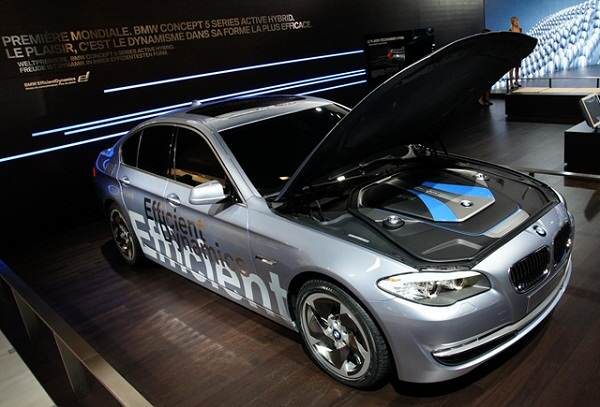 BMW ActiveHybrid 5 на пазара от пролетта на 2012 г.