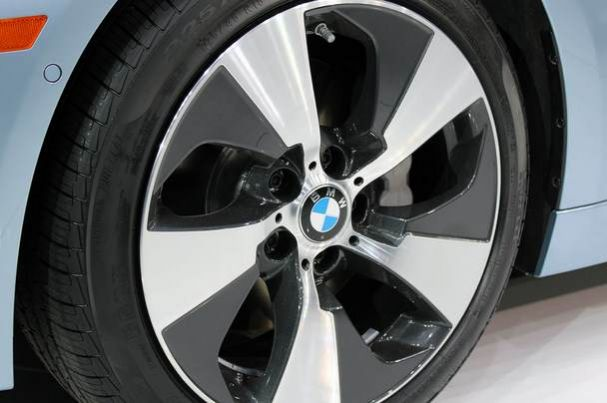 09-2012-bmw-activehybrid-3
