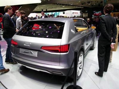 audi-crosslane-coupe-plug-in-hybrid-paris2012-back