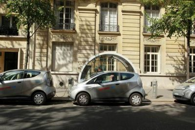 bollor-bluecar-electric-car-used-for-autolib-car-sharing-service-paris