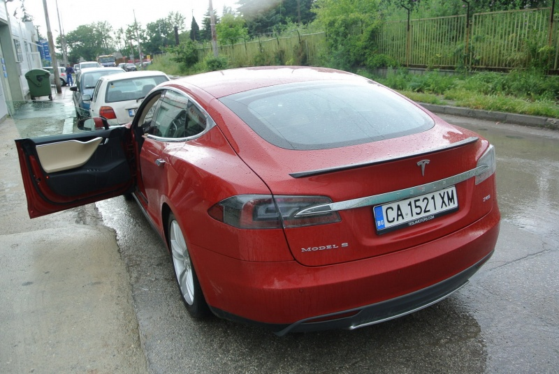 first_tesla_in_Varna01.jpg