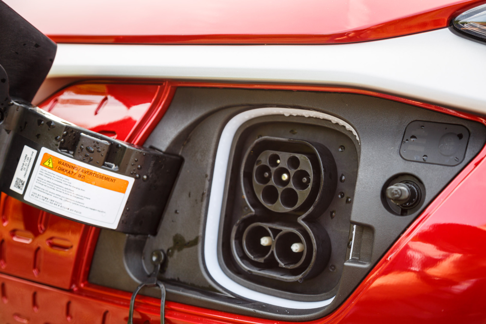 Hyundai-Kona-Electric-Premium-SE-64-kWh-27.jpg